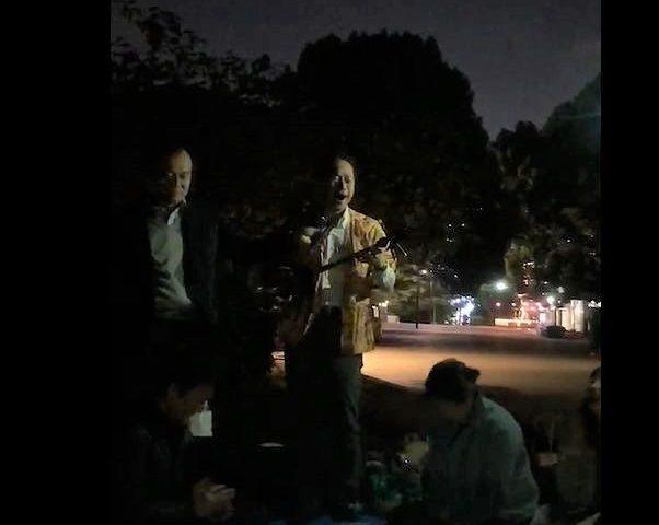 (訪問演奏記41)上野公園、清水堂前にて